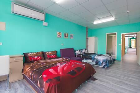 racing car Room-CCK airport - Daya District