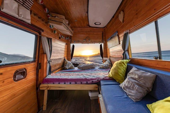 Vintage Van lanzarote en Famara  completa con baño