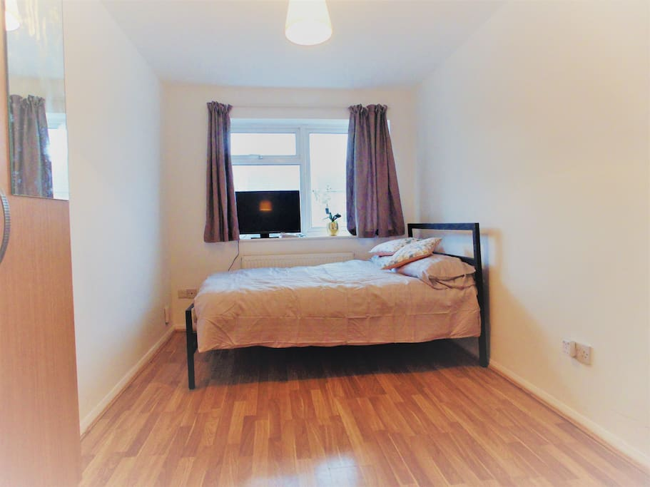 Ensuite Room To Rent In Enfield