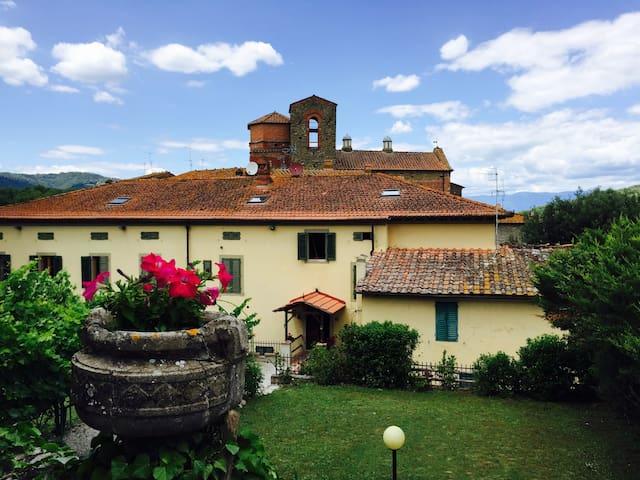 Apartment in Villa Badia a Ruoti - loc. Badia a Ruoti comune di Bucine - Villa
