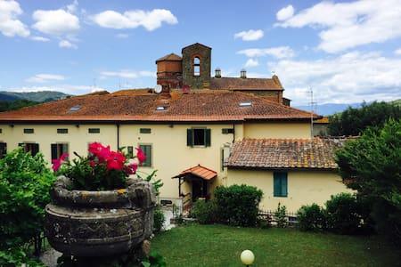 Apartment in Villa Badia a Ruoti - loc. Badia a Ruoti comune di Bucine - Vila