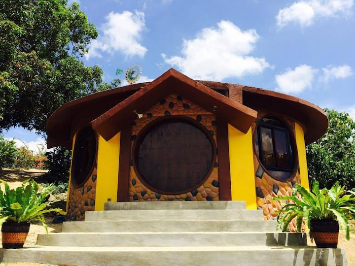 Taal Maranan's Farmville - Hobbit House