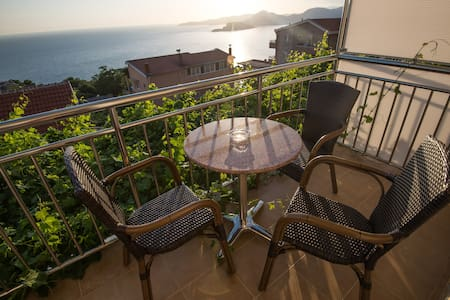 Studio for 4 persons with sea view - Blizikuće - 別荘
