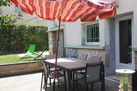 Chambre Lit Queen size, accès terrasse et bureau