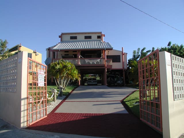Habitación Privada en la Parguera - Lajas - Huis