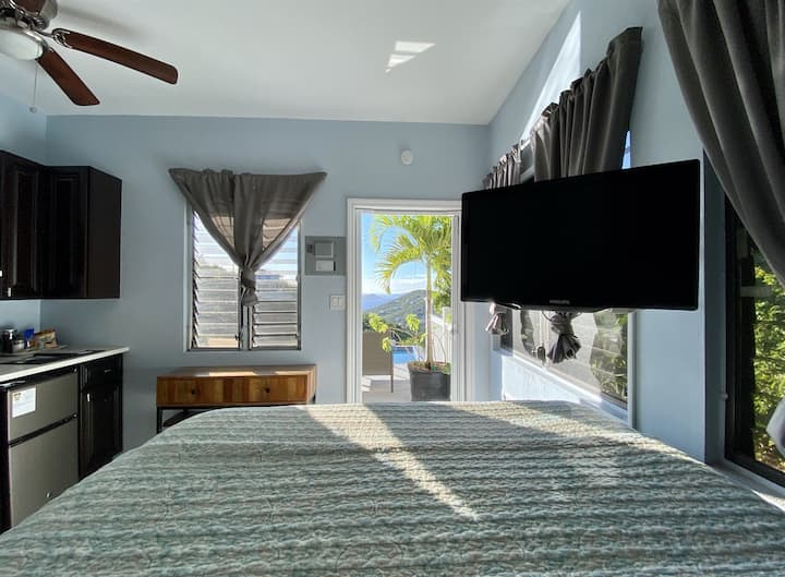 Bogie's Villa, Tektite, Island Tiny Living