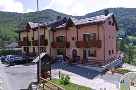 Appartamento spazioso e panoramico - Santo Stefano d'Aveto - Apartamento