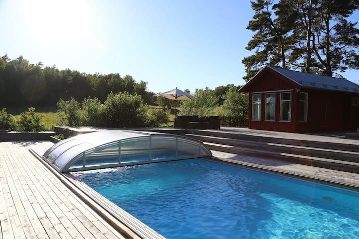 Lakeview House with Swimming pool-15min to Arlanda - Sigtuna - Haus