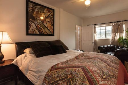 Romantic Farm Stay with Hottub - Fallbrook - Bed & Breakfast