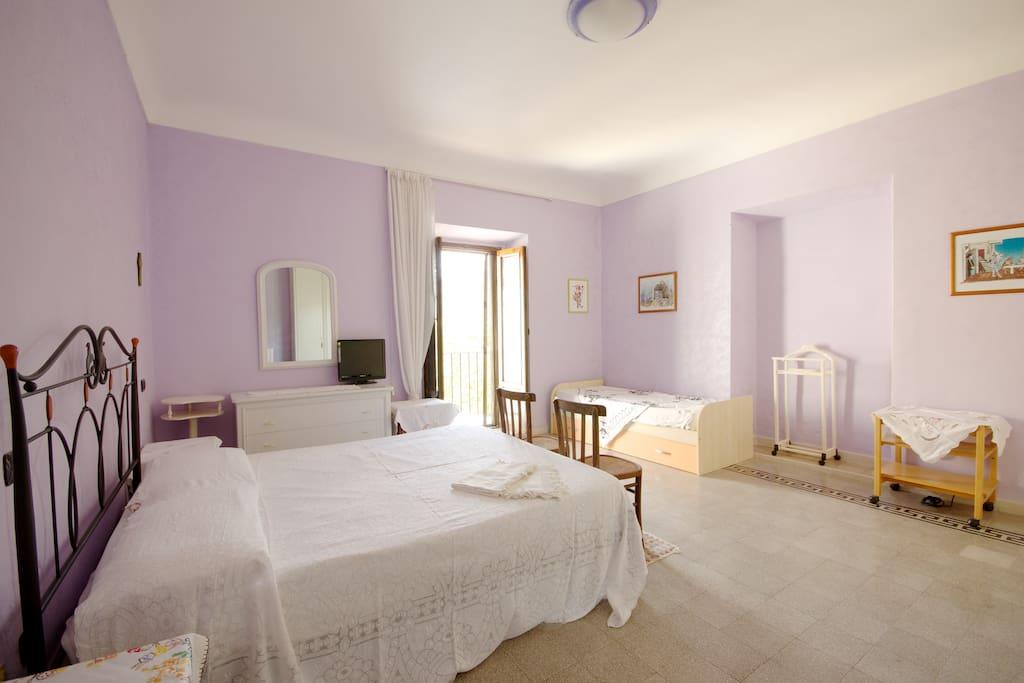 Saffron room / stanza dello zafferano