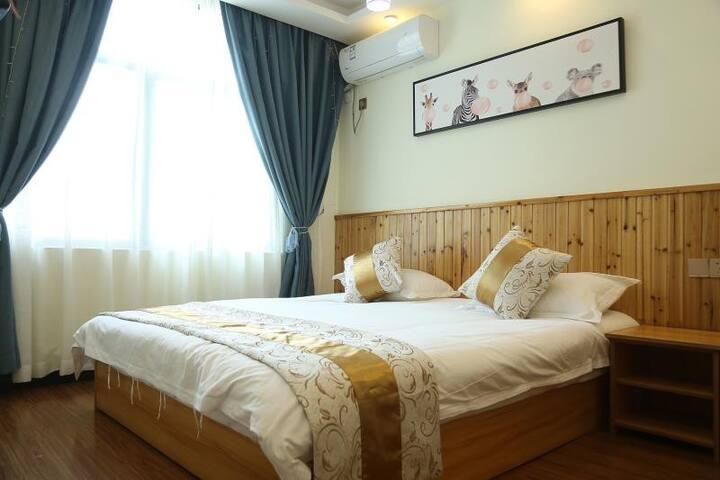 漫香四溢大床房    采光好,空气好以外,房内超大床,用品样样齐全