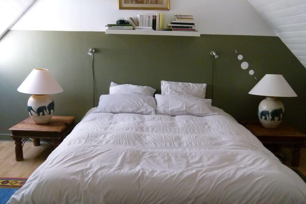 Grande chambre1 avec TV- lit 160