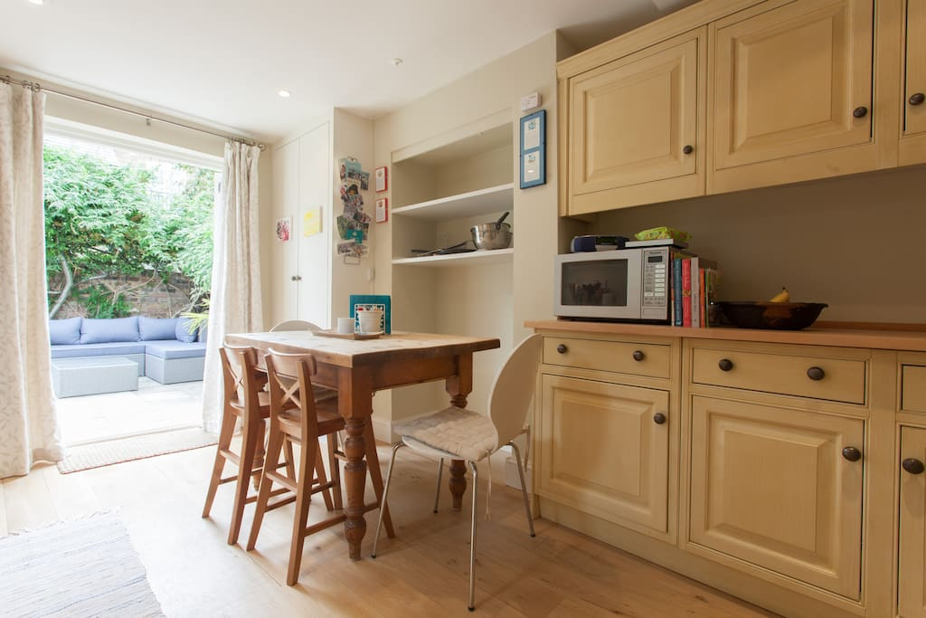 Bright and homely kitchen
