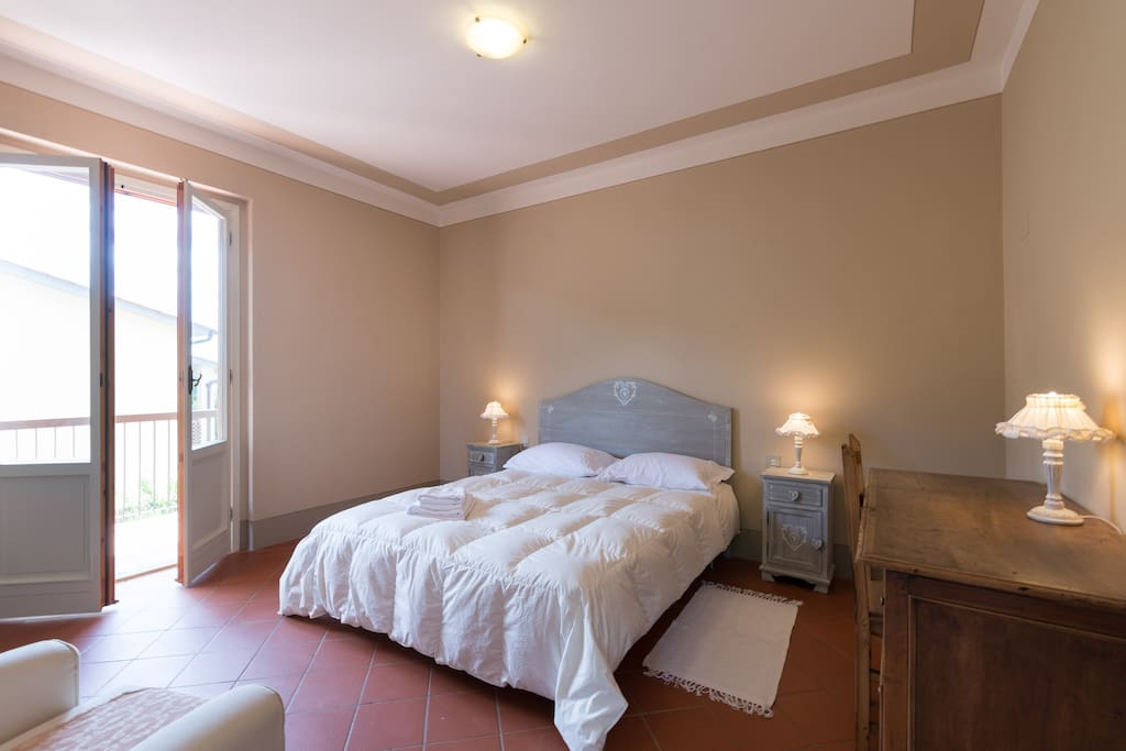 1  larger double bedroom which can be divided into 2 twin beds