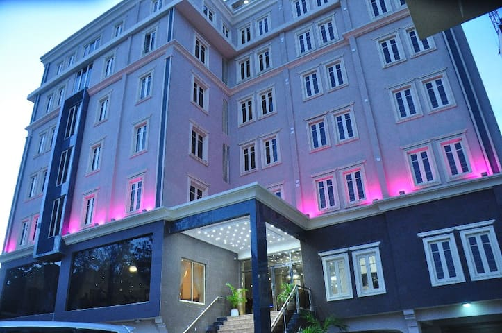 CITIHEIGHT Hotel - boutique at IKEJA, lagos. - Ikeja