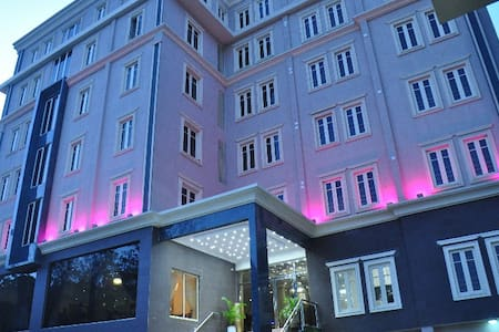 CITIHEIGHT Hotel - boutique at IKEJA, lagos. - Ikeja - โรงแรมบูทีค