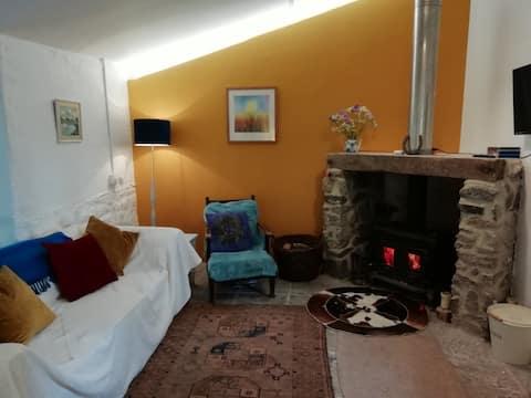 Little Cobbles; quirky annex in the heart of Devon