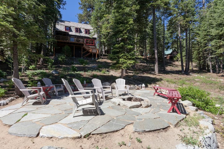 West Shore Lakefront Cabin - Close to Homewood