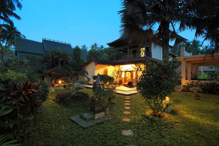 JASRI SEAFRONT VILLA, EAST BALI - Amlapura - Villa