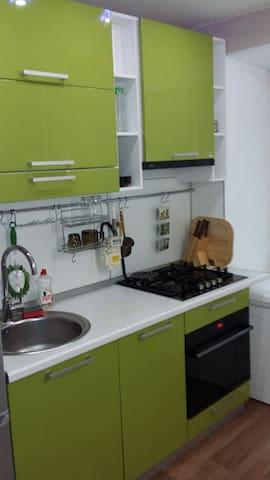 Сдам посуточно отличную 1к-квартир - Хабаровск - House