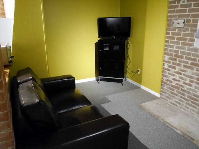 Affordable 1Br Basement Apartment