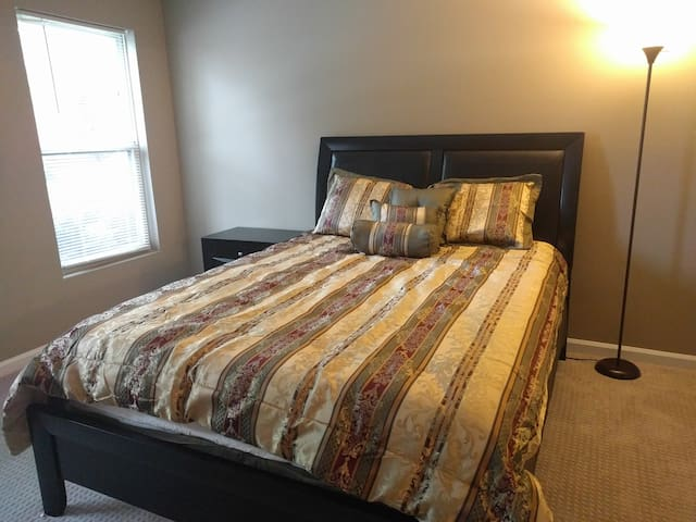 Beautiful Private Bedroom in Duluth- GA Area - Duluth - Apartment