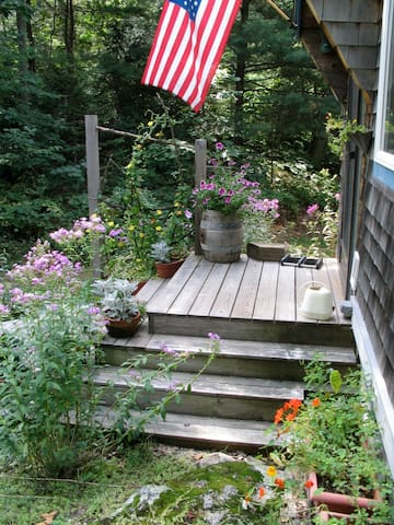 Lakeside home, quiet neighborhood, Freeport, ME - Freeport - House