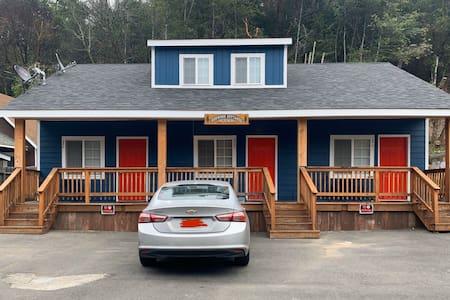 Full apartment in the redwoods of Miranda 1C
