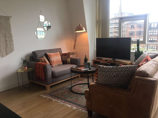 Stunning 2 bedroom flat in vibrant Merchant City