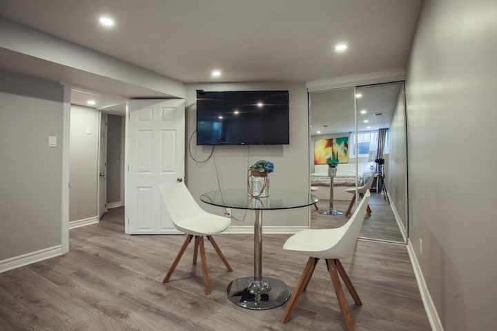 Cozy Oasis 3 - Full Suite close to Carleton U.