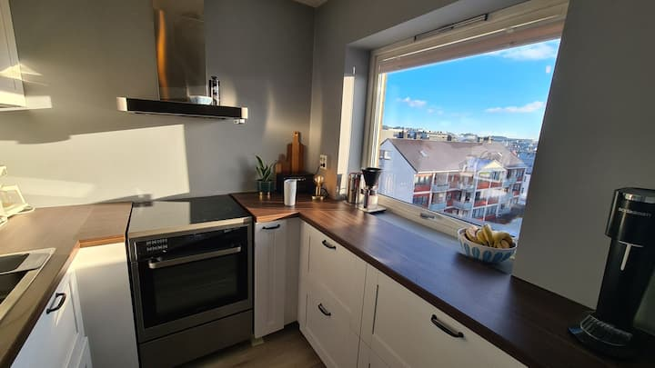 Sunny Loft central in Kristiansand w/balcony