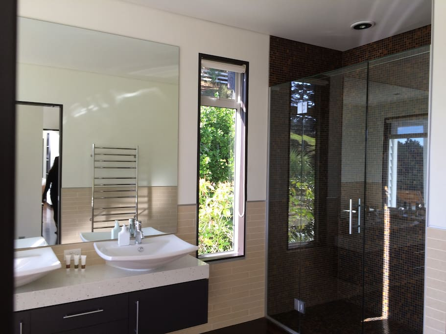 Master Bathroom with double sinks, Shower and Bathtub
