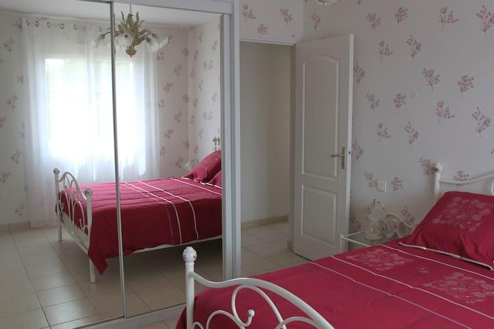 Chambre dans 1 pavillon individuel - Saint-Père-en-Retz - Casa