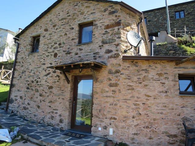 Casa das Oliveiras-Soito (Góis) -AL - Colmeal - Rumah