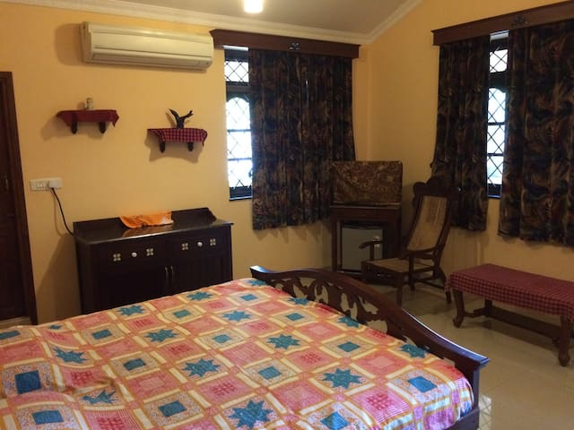 Private 1 BR in quiet location @ Cansaulim - Cansaulim - House