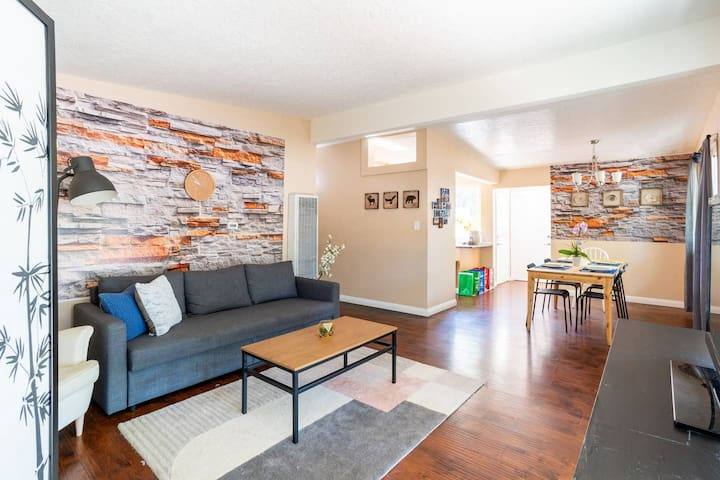 Sunnyvale House 3B near Apple - Up to 10 Guests!