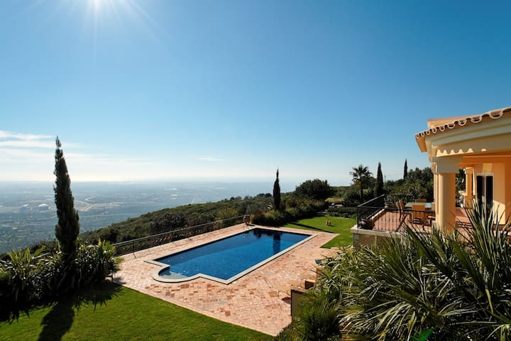 Family friendly Fully Staffed Algarve Villa with heated private pool - Loulé - Villa