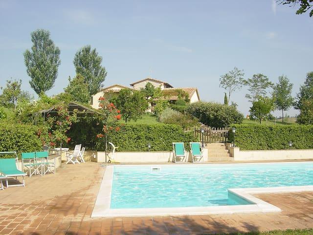 Modernized Country House in the Hills of Umbria - Avigliano Umbro - Villa
