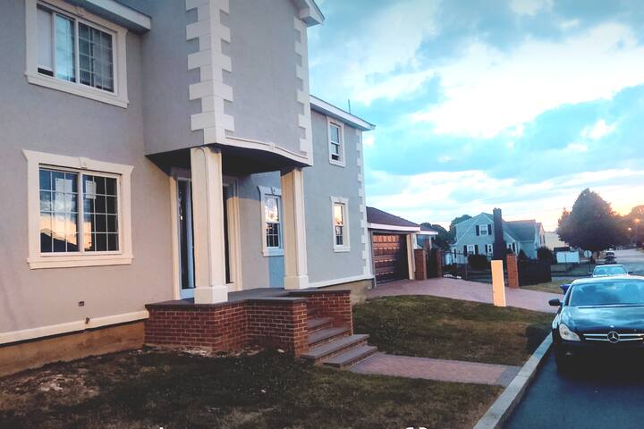 Newly Renovated Charming East Providence Apartment