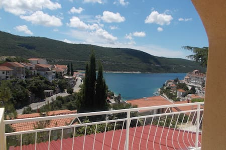Lovely apartment near the beach - Neum - Pis