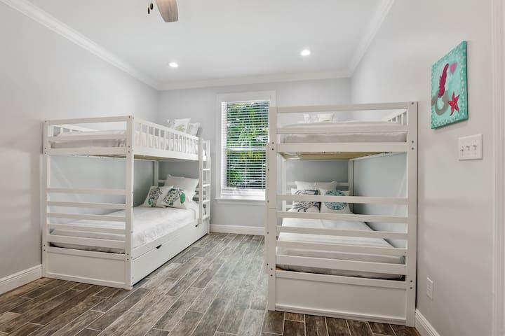 Front Bunks Bedroom
