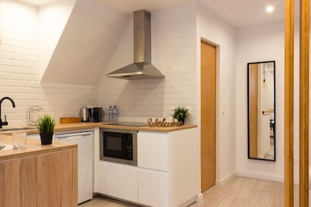Modern Studio near Downtown - The Corner House