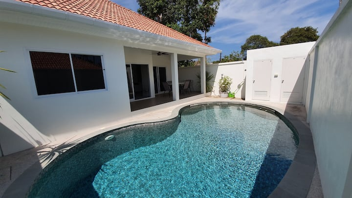 Villa Nils fully furnished with swimming pool