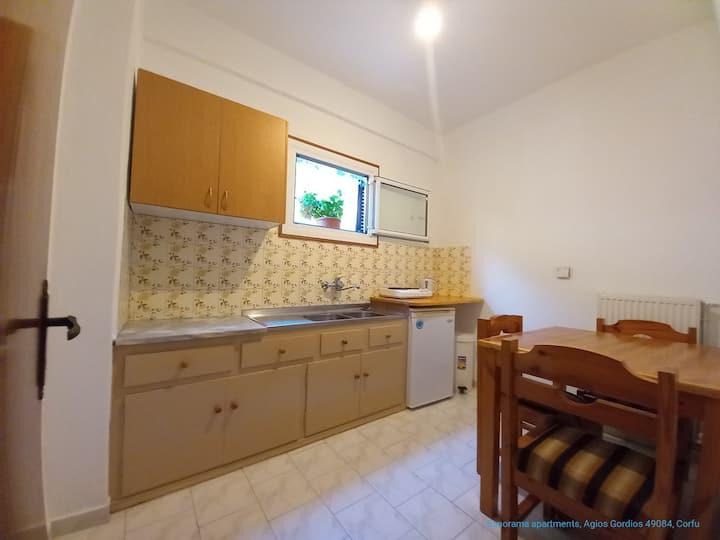 Breathtaking sea view 2-bedroom apt, kitchen, 4-5p