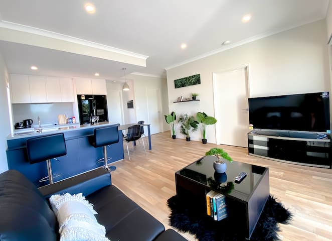 Elegantly Appointed BRAND NEW Luxurious Apartment!