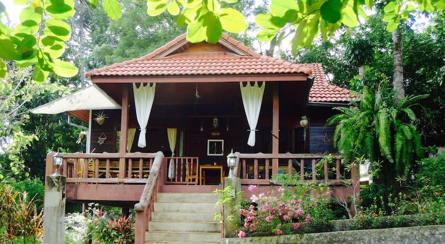 Koh Phangan, Garden Holiday Villa in Baan Tai - Ko Pha-ngan - House