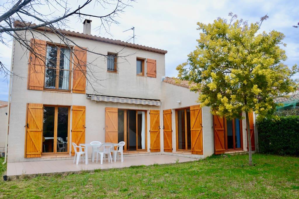 Maison familiale à 10 min du centre ville ! - Maisons à louer à Montpellier, Occitanie, France