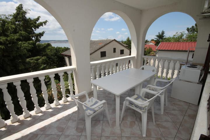 Studio flat with terrace and sea view Starigrad, Paklenica (AS-6431-a)