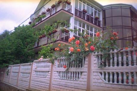 """Гостевой дом """"Эдем у реки"""" - Arkhipo-Osipovka"""