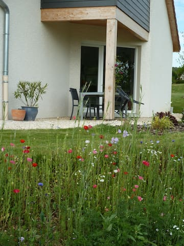 Maison récente, près des champs - Tarcenay